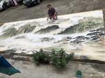 粟盛林日志-这炎热的夏天在室外绘画就是汗水、雨水、自来水加彩墨之间的相互【图2】