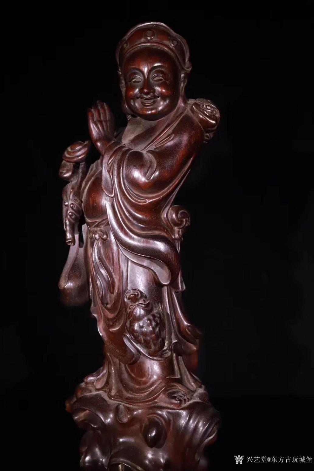 东方古玩城堡雕刻作品《紫檀木刘海戏金蟾》【图2】
