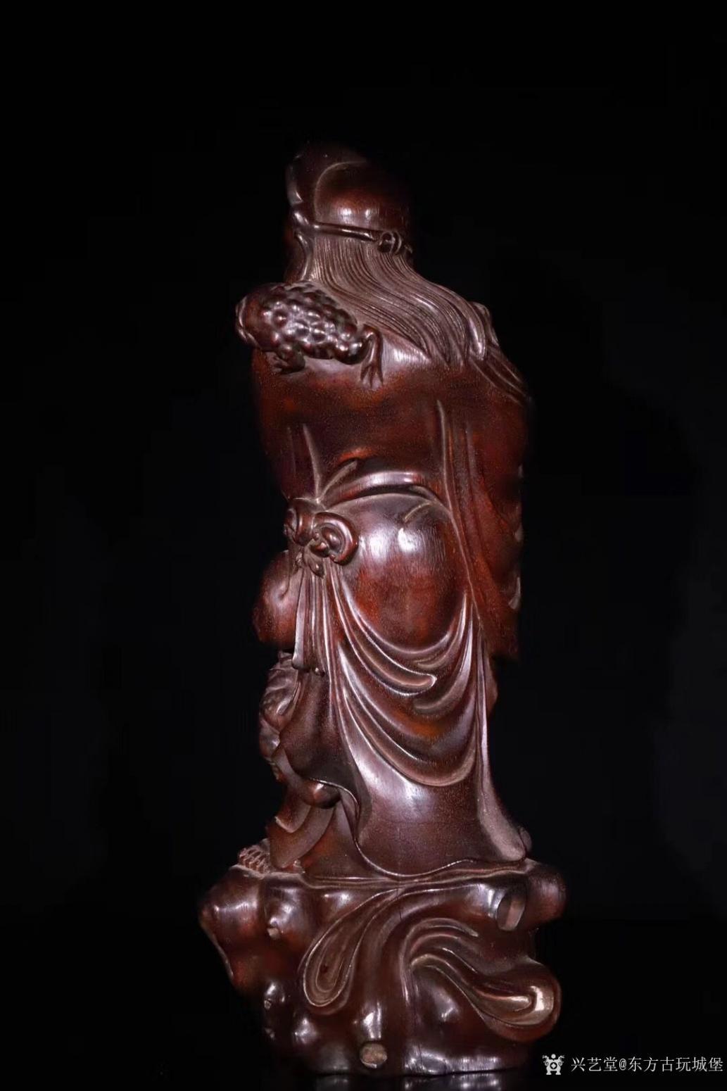东方古玩城堡雕刻作品《紫檀木刘海戏金蟾》【图3】