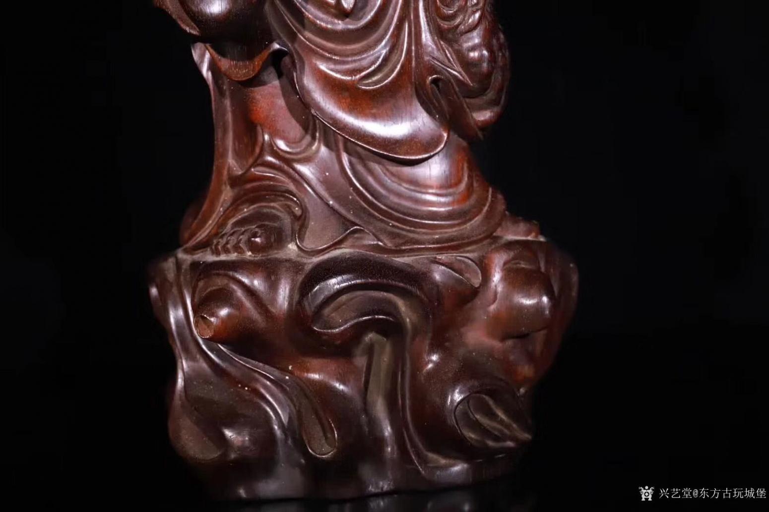 东方古玩城堡雕刻作品《紫檀木刘海戏金蟾》【图5】