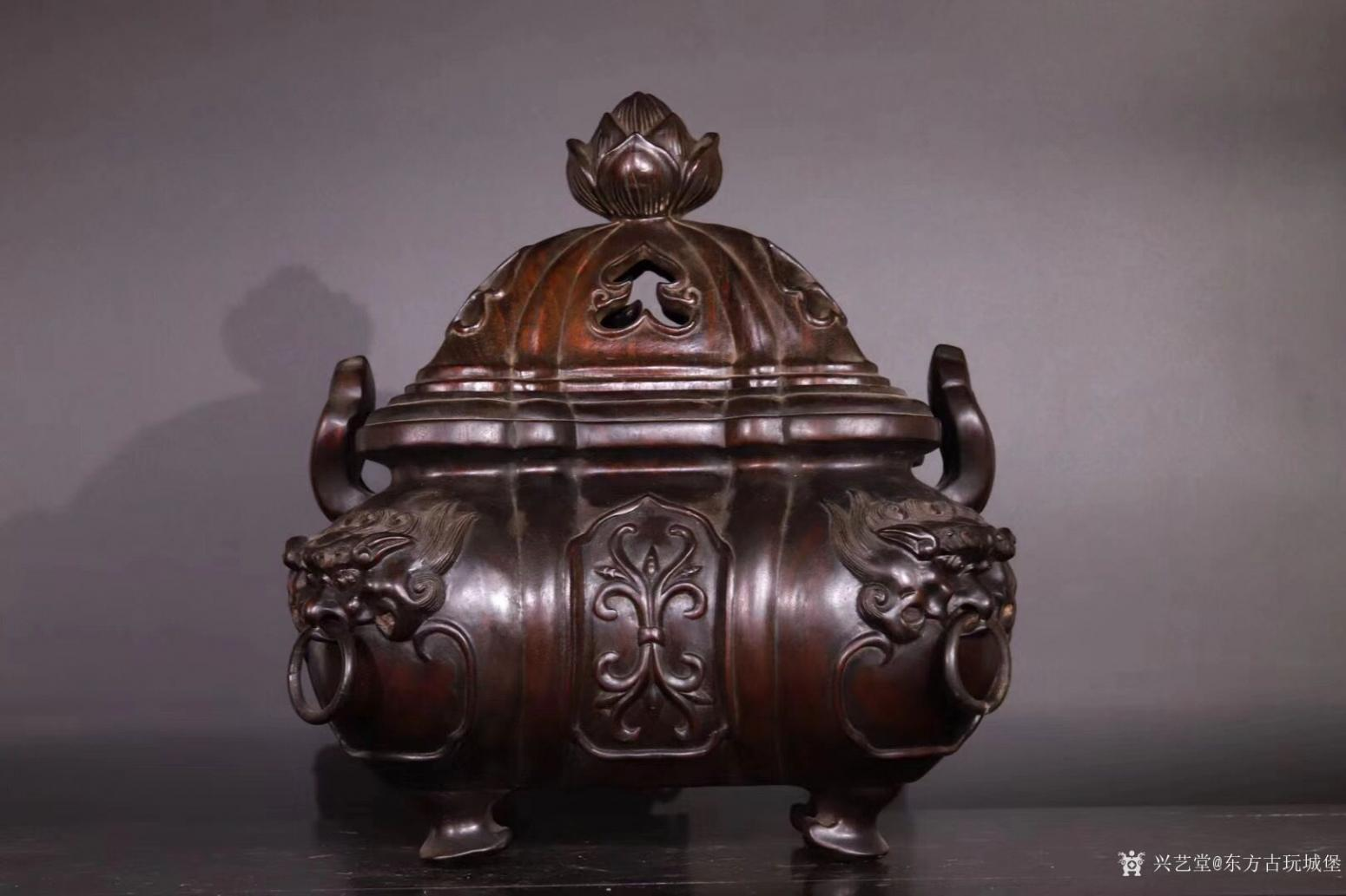 东方古玩城堡雕刻作品《紫檀香薰炉》