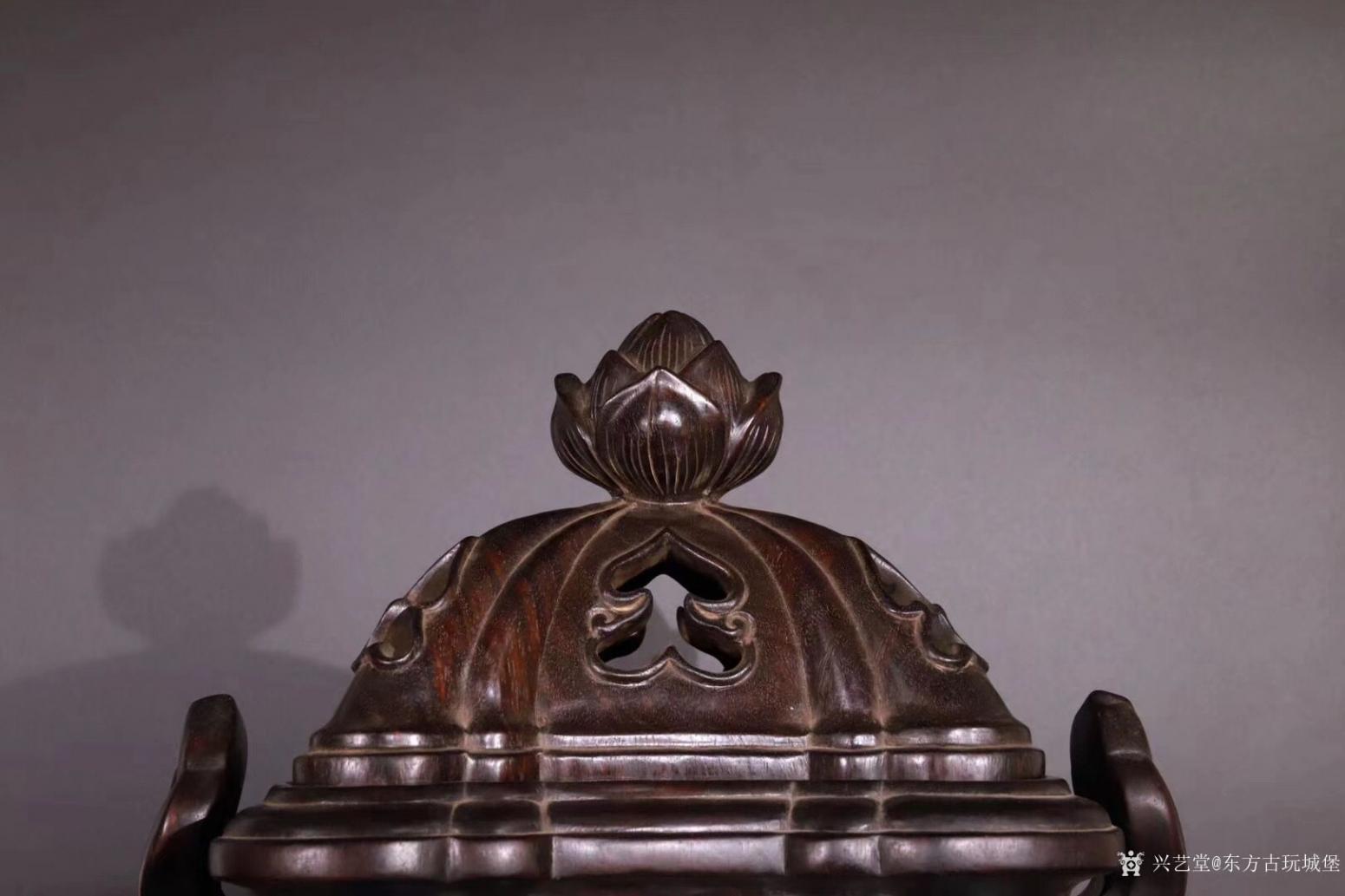 东方古玩城堡雕刻作品《紫檀香薰炉》【图1】