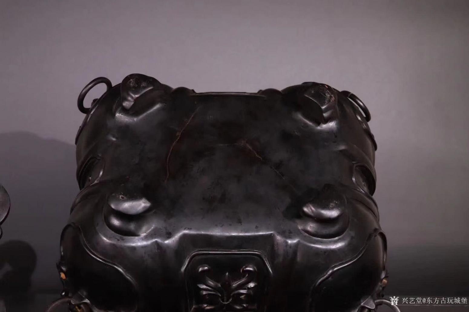东方古玩城堡雕刻作品《紫檀香薰炉》【图5】