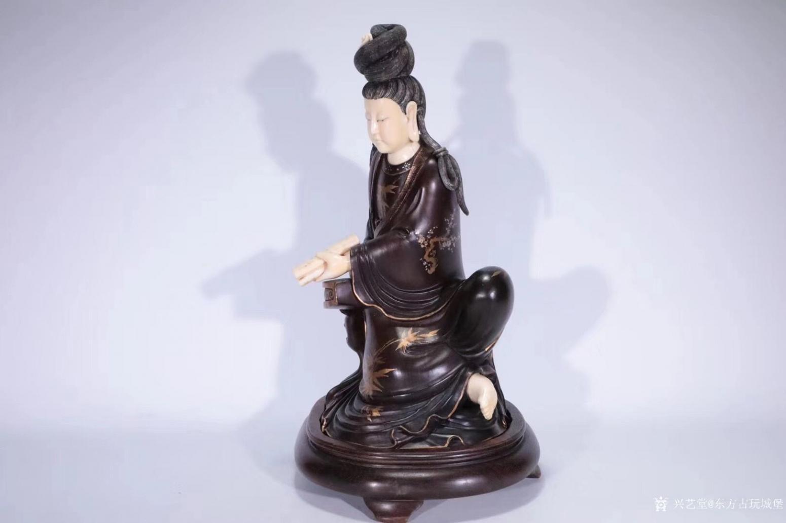 东方古玩城堡雕刻作品《红木观音像》【图0】