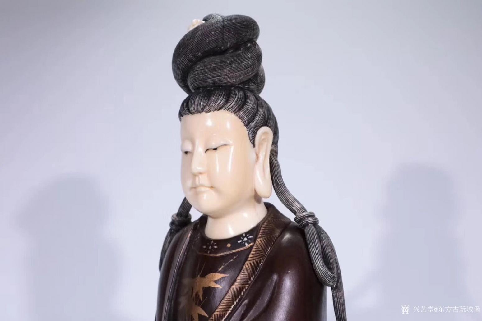 东方古玩城堡雕刻作品《红木观音像》【图5】
