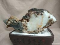 艺术家杨增超收藏:白灵玉原石欣赏《高山积雪》; 白灵玉原石欣赏《年年有鱼》;【图0】