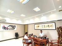 艺术家叶仲桥收藏:昨天(7月11日)回广东汉莎画院主持院务工作,接待几位著名艺【图2】