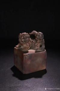 东方古玩城堡雕刻作品《竹雕印章-太狮少狮》价格3500.00元
