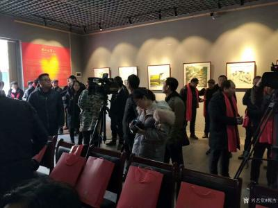 """魏杰生活-""""两江风骨""""中国画作品展于春节期间举行,我的作品参展,分享展会期间人潮涌动的场景【图5】"""