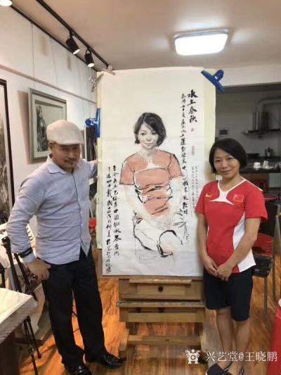 王晓鹏收藏-《国家级跳水教练——秦静》水墨人物肖像画。   这幅水墨人物肖像画于去年完成,【图2】