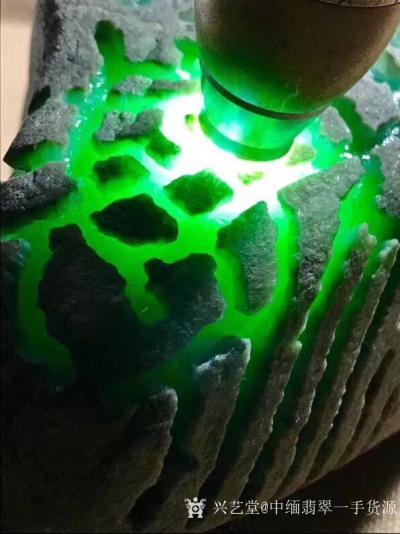 中缅翡翠一手货源日记-1.32kg老坑后江冰阳绿满色大牌料,满满的都是色,完美无裂,稳出货的精品,做货【图6】