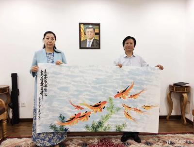 李尊荣收藏-7月15日拜访吉尔吉斯共和国大使馆:   非常感谢吉尔吉斯共和国大使巴克特古洛【图5】