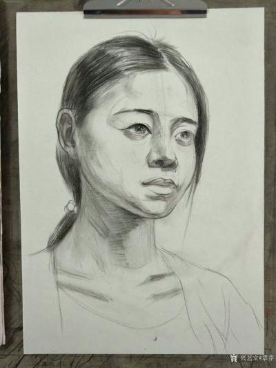 覃莽日记-我的素描人物头像画法步骤,以两幅今日教学示范作品为例;   画好后要不断的观察【图2】