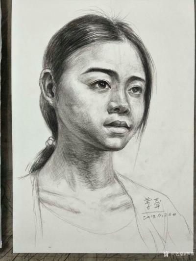 覃莽日记-我的素描人物头像画法步骤,以两幅今日教学示范作品为例;   画好后要不断的观察【图4】
