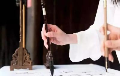 书画是最高雅的养生方式-兴艺堂值班客服